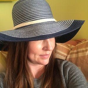 Roxy Ocean Dream Hat Size S/M